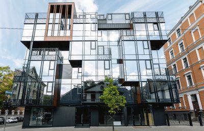 Новостройка - Многоэтажный жилой дом с коммерческими помещениями, улица Лачплеша 11/13, Рига, Латвия